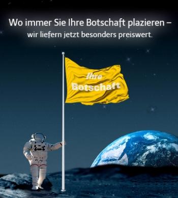 Fahnenmast-Aktion Mast mit Bodenhülse und Fahne